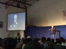 Andre, der Feldleiter von OM Südafrika spricht auf der Konferenz
