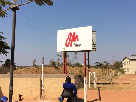 Eingang zur OM Base in Sambia
