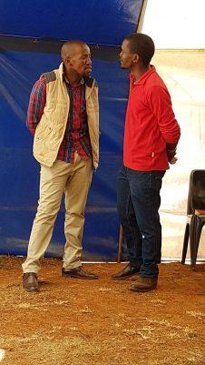 Ntate Thambang und Ntate Skelemane vom OM Team