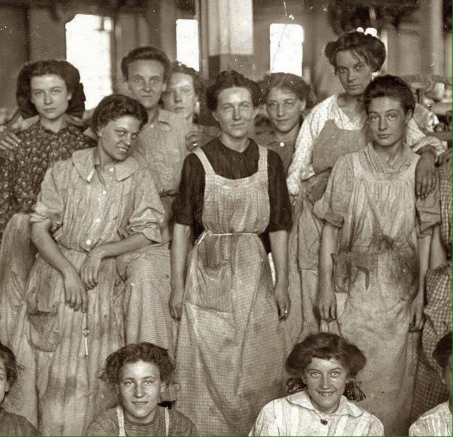 Mujeres de la Fabrica Triangle Shirtwaist, Dia Ingernacional de la Mujer 2019, Familysol