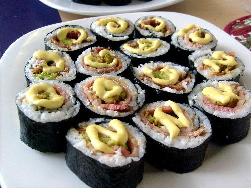 bacon-avocado-sushi-plate1