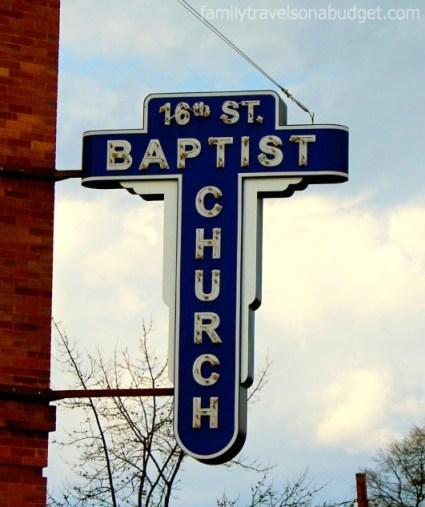 16th street sign