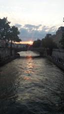 Erster Sonnenuntergang in Paris