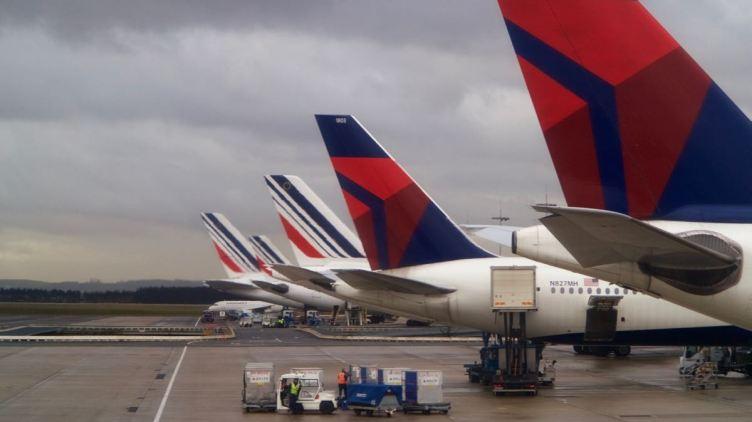 big tails at Paris CDG: Delta and Air France