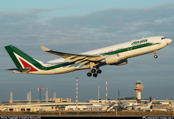 AZ EI-EJO-Airbus-A330-200_PlanespottersNet