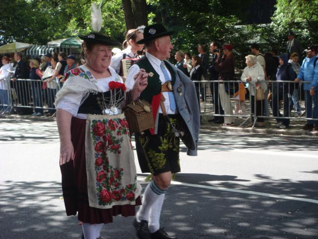 20070915-steuben-parade-31-dancers.jpg