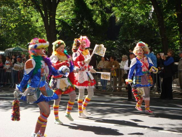 20070915-steuben-parade-49-clown-women.jpg