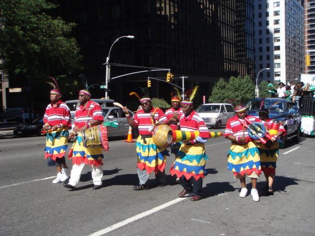 20070929-nigerian-parade-17-men-in-skirts.jpg