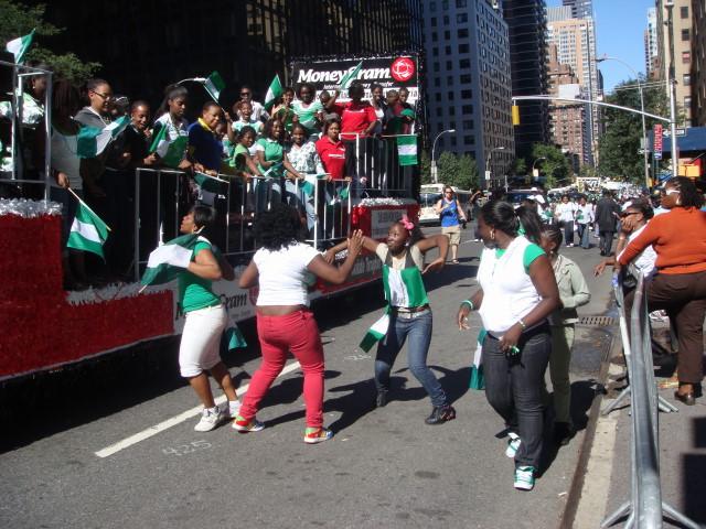 20070929-nigerian-parade-24-dancing.jpg