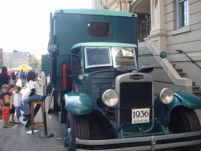 20070930-smith-street-23-transit-museum-electrical-truck.jpg