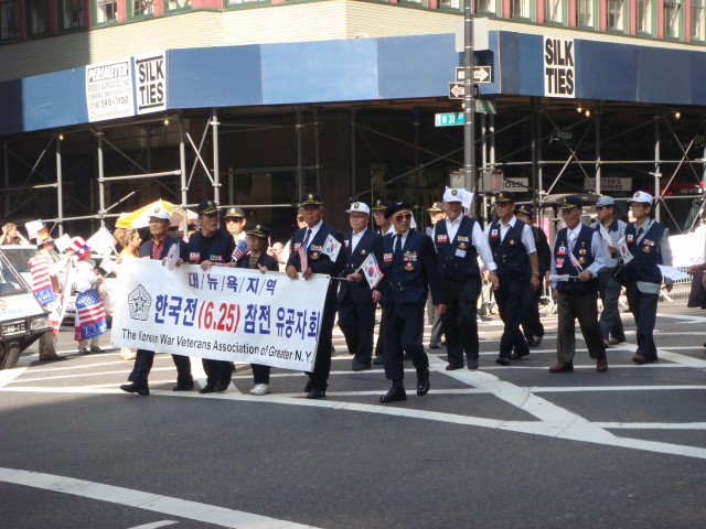 20071006-korean-parade-14-war-veterans.jpg