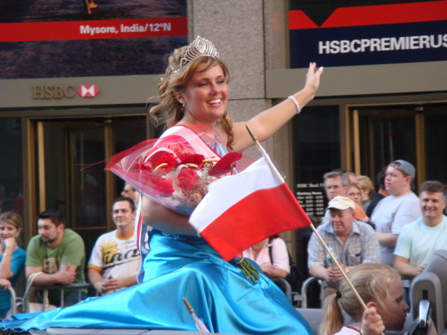 20071007-pulaski-parade-56-miss-polonia-of-wallington-sylwia-soltys.jpg