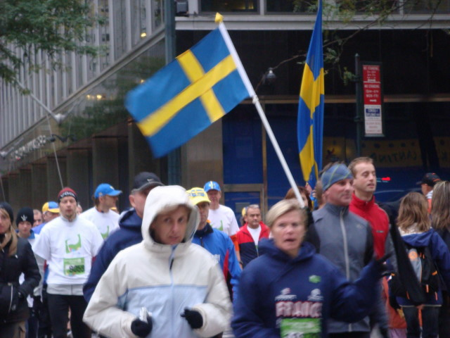 20071103-international-friendship-run-03-swedes.jpg