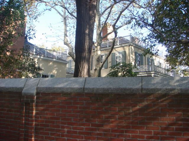 20071104-gracie-mansion-08-view-from-southeast.jpg