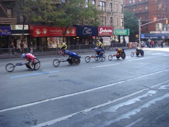 20071104-ny-marathon-04-group-of-wheelchair-racers.jpg