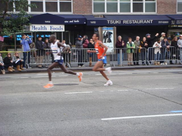 20071104-ny-marathon-45-men-runners.jpg