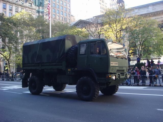 20071111-veterans-day-parade-25-ammo-carrier.jpg