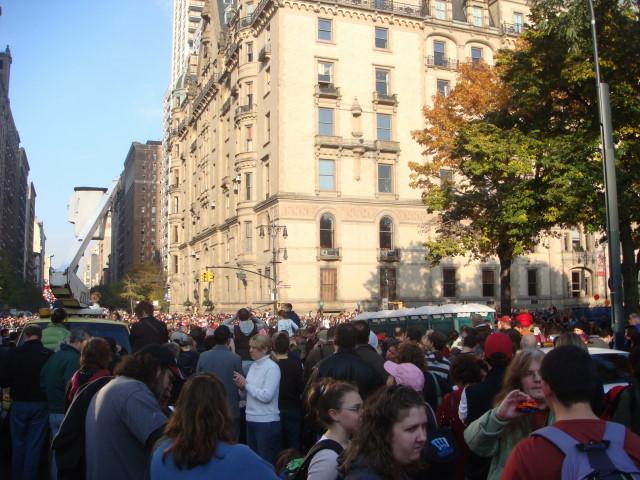 20071122-macys-thanksgiving-parade-01-at-72nd-street.jpg
