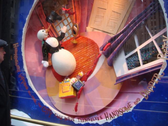 20071202-saks-christmas-display-04-window.jpg
