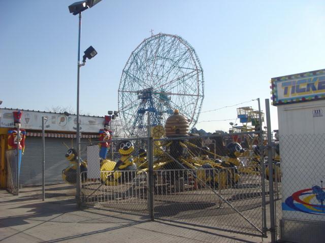 20071228-coney-island-05-closed-for-the-season.jpg