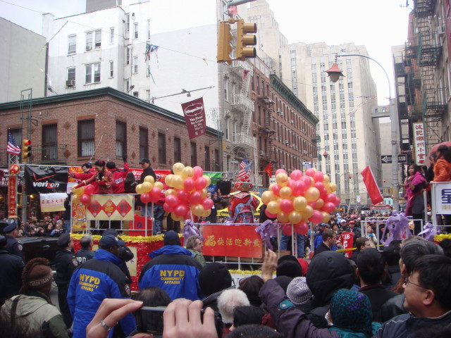 20080210-chinatown-parade-17-float.jpg