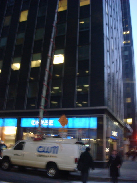 20080311-spitzer-stakeout-02.jpg