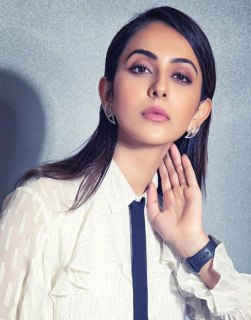 Top 10 Tollywood/Telugu Actress List 2020, Rakul Preet Singh short biography