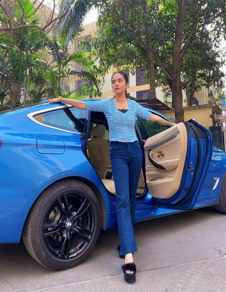 Anushka Sen car image
