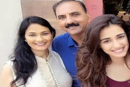 Disha Patani father and mother