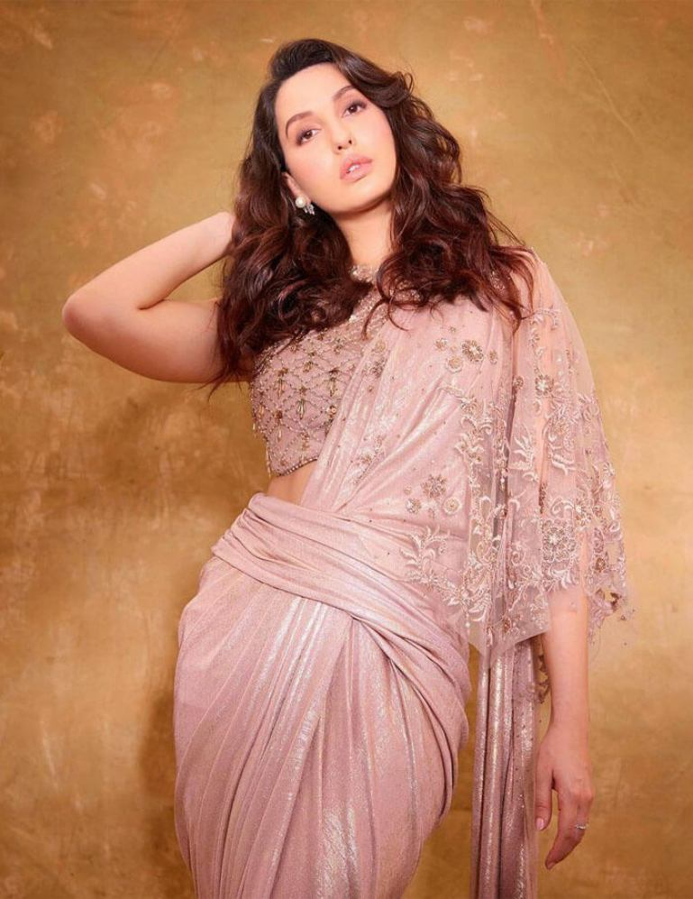 Nora Fatehi in sharee