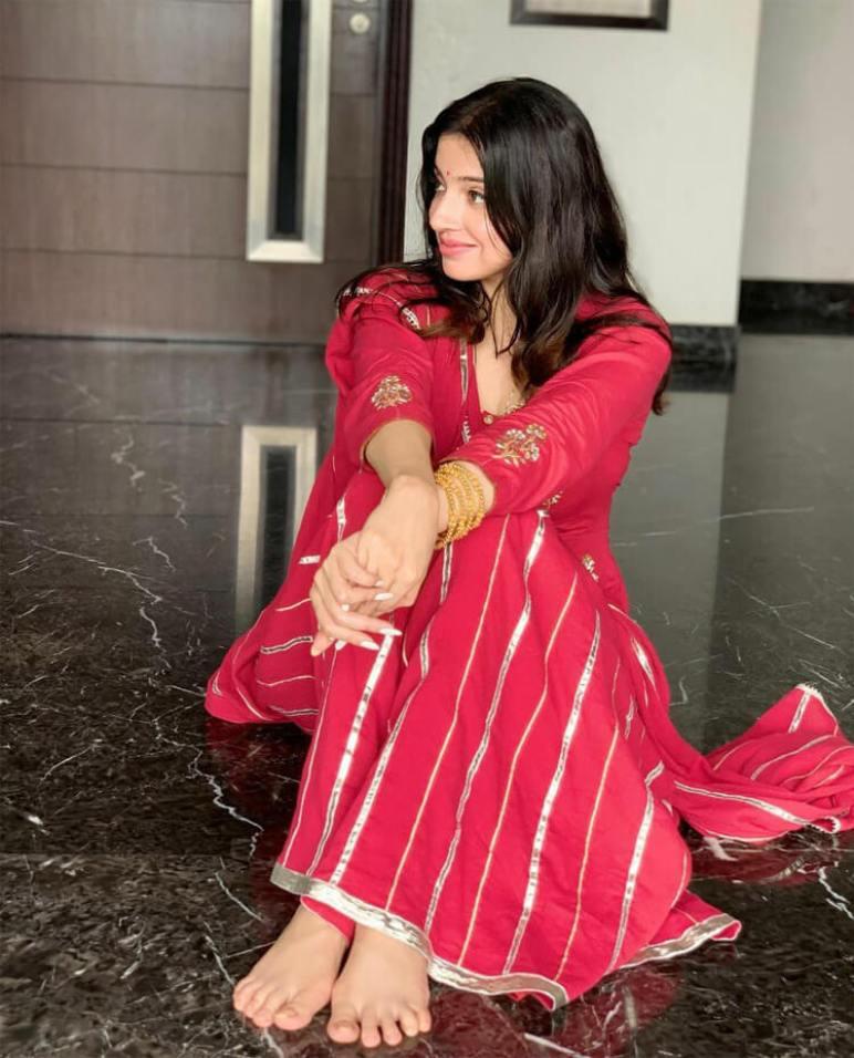 Divya Khosla Kumar HD Picture
