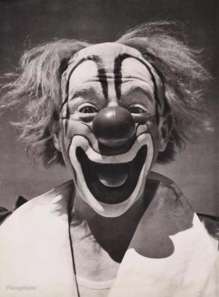 Lou Jacobs black and white photo