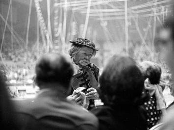 Otto Griebling working the circus audience