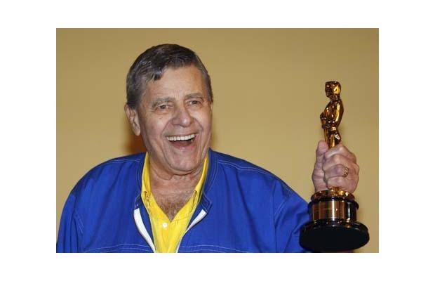 Jerry Lewis with his Oscar