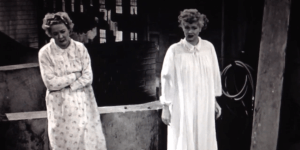 I Love Lucy - Vacation from Marriage - Lucy and Ethel stuck on the rooftop