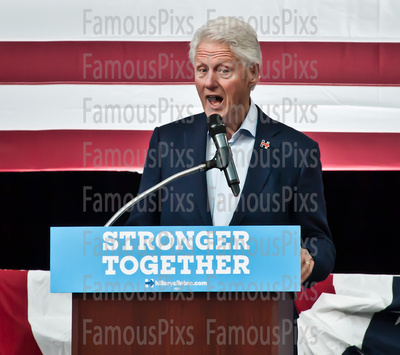 FamousPix: 10/18/2016 - Bill Clinton Campaigns for Hillary Clinton &emdash; Bill Clinton