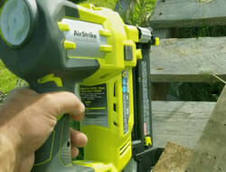 Electric roofing nail gun