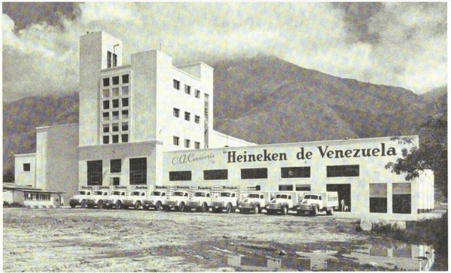 3rd of october 1953, Mr Honig and Ter Haar open the new brewery installments in Caracas