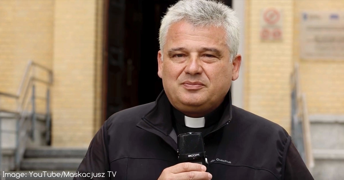 Papal Almsgiver Gives Up His Vatican Apartment for Refugee Family