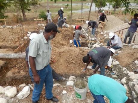 La piscifactoría de tilapia en el Haití rural está casi completada