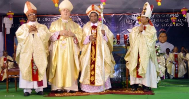 Ordenación Episcopal de Mons. Aplinar Senapati CM
