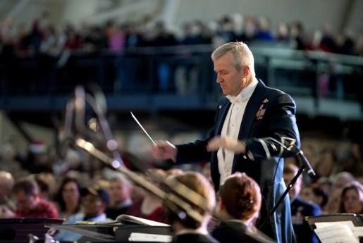 El director de orquesta se da cuenta