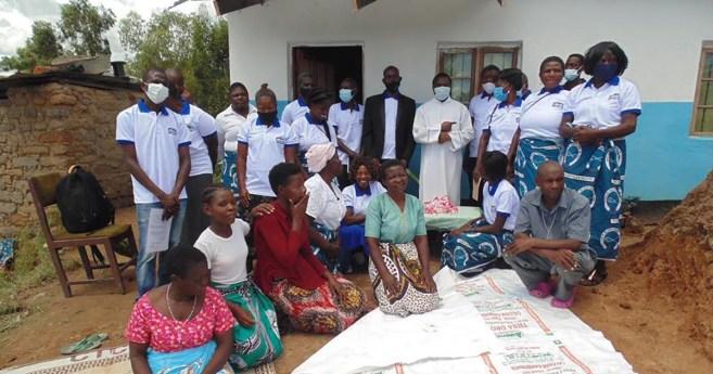 Combatiendo los barrios marginales en Malaui ¡una casa a la vez!