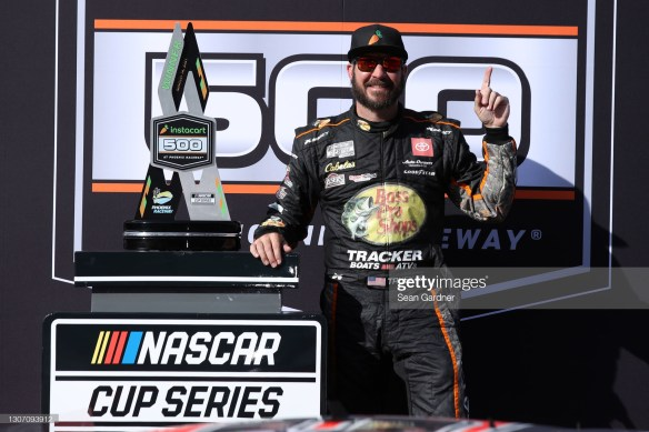 Martin Truex Jr ends winless streak of 29 races in the NASCAR Cup Series Instacart 500 at Phoenix Raceway on Sunday afternoon.