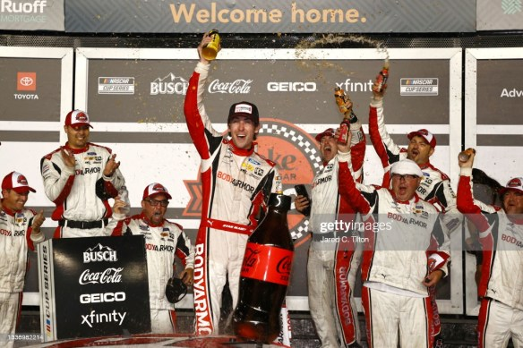 Blaney takes the victory at Daytona International Speedway, Reddick clinches a Playoff spot, and Larson wins the Regular-Season Championship.