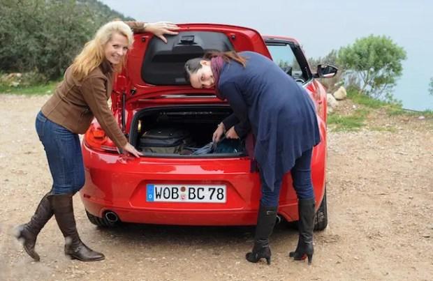 Schicker Kofferraum mit 225 l Ladevolumen, da gingen auch unsere Taschen rein