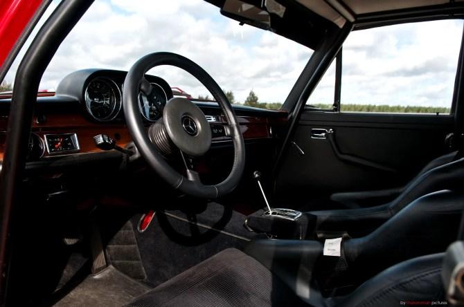 Mercedes-Benz 300 SEL 6.8 AMG - Fanaticar