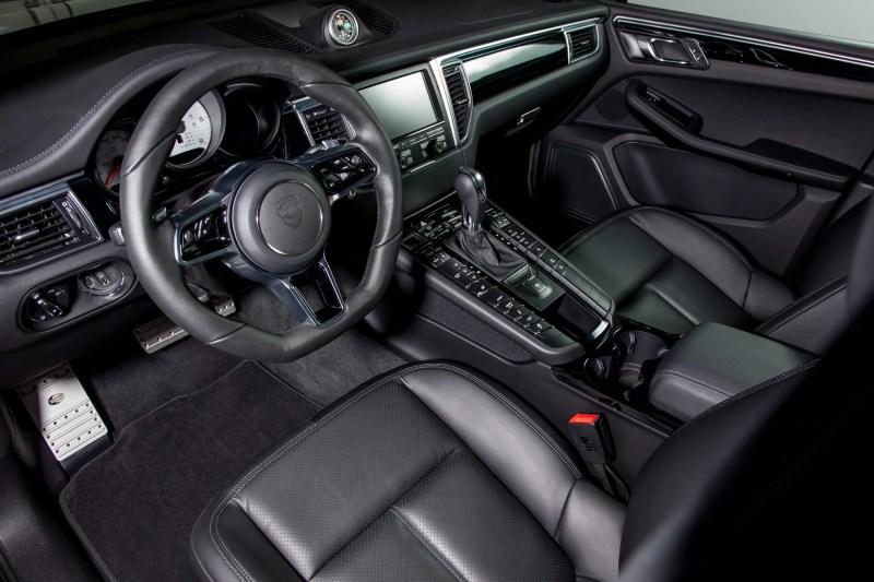 TECHART Interieurveredelung für den Porsche Macan.