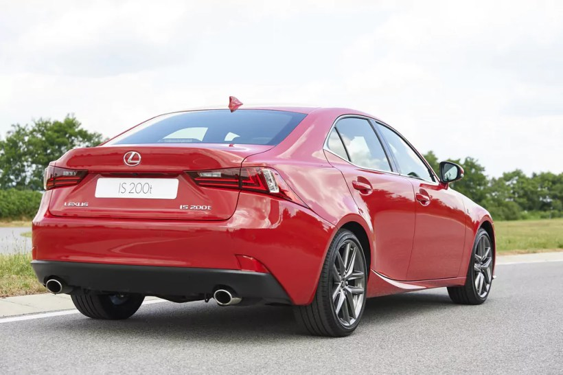 2015 Lexus IS 200t | Fanaticar Magazin