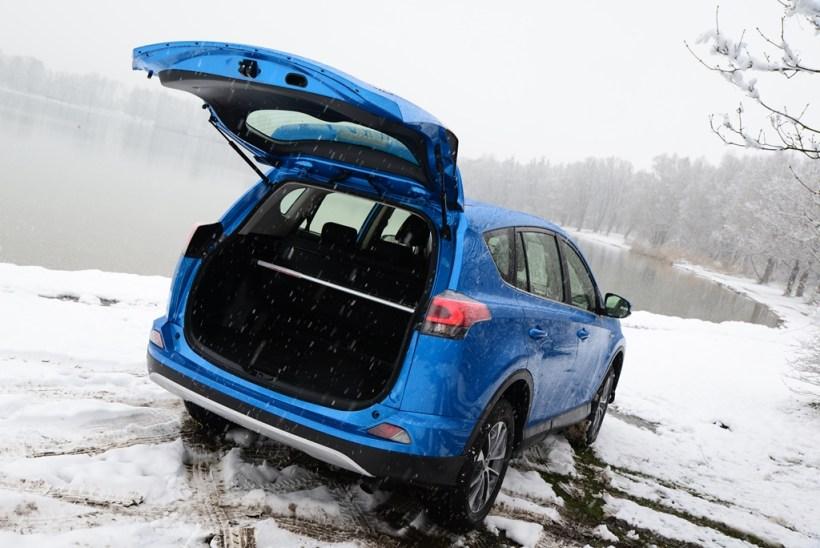 2016 Toyota RAV4 Hybrid | Fanaticar Magazin
